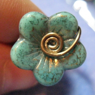 Czech Glass Flower Ring with Brass